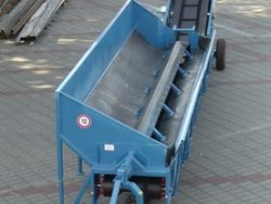 Conveyor belt with tank, mobile T-216